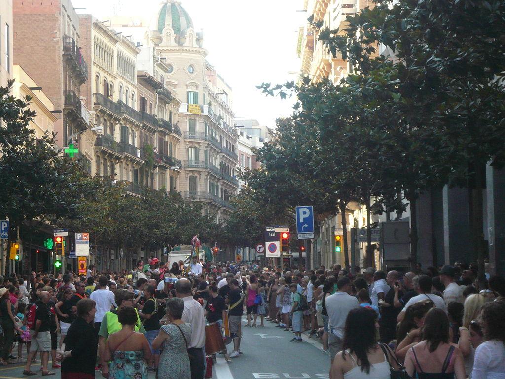 La calle Gran de Gràcia sin coches.